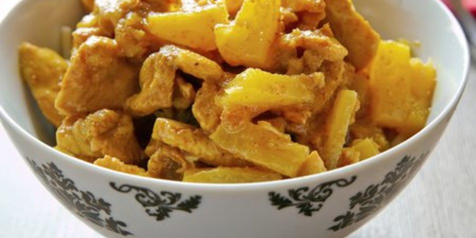 Currysauce mit Ananas