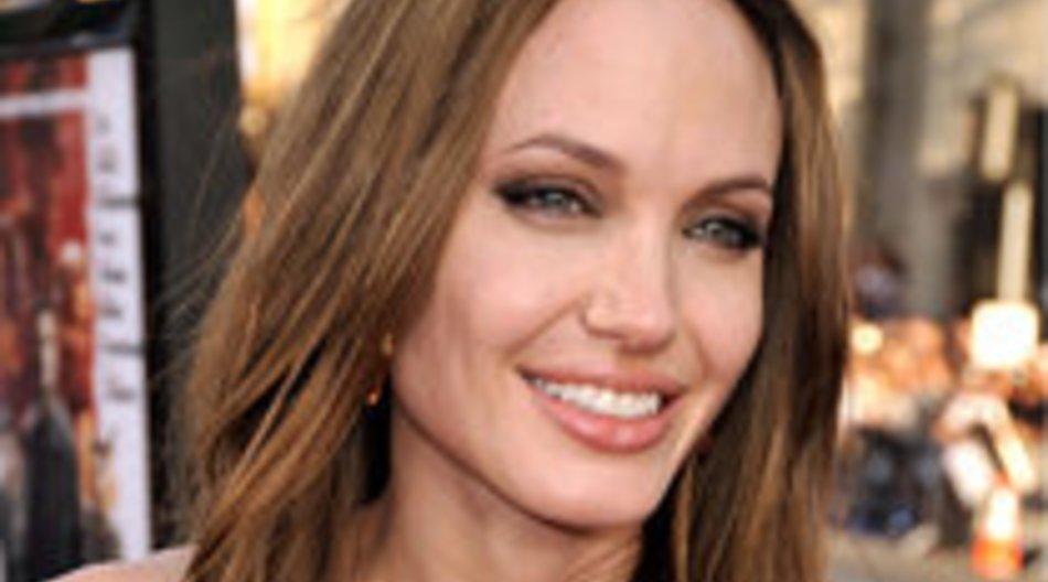 Angelina Jolie flirtet mit Johnny Depp