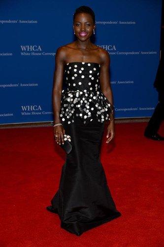 Lupita Nyong'o in einem süßen Dress