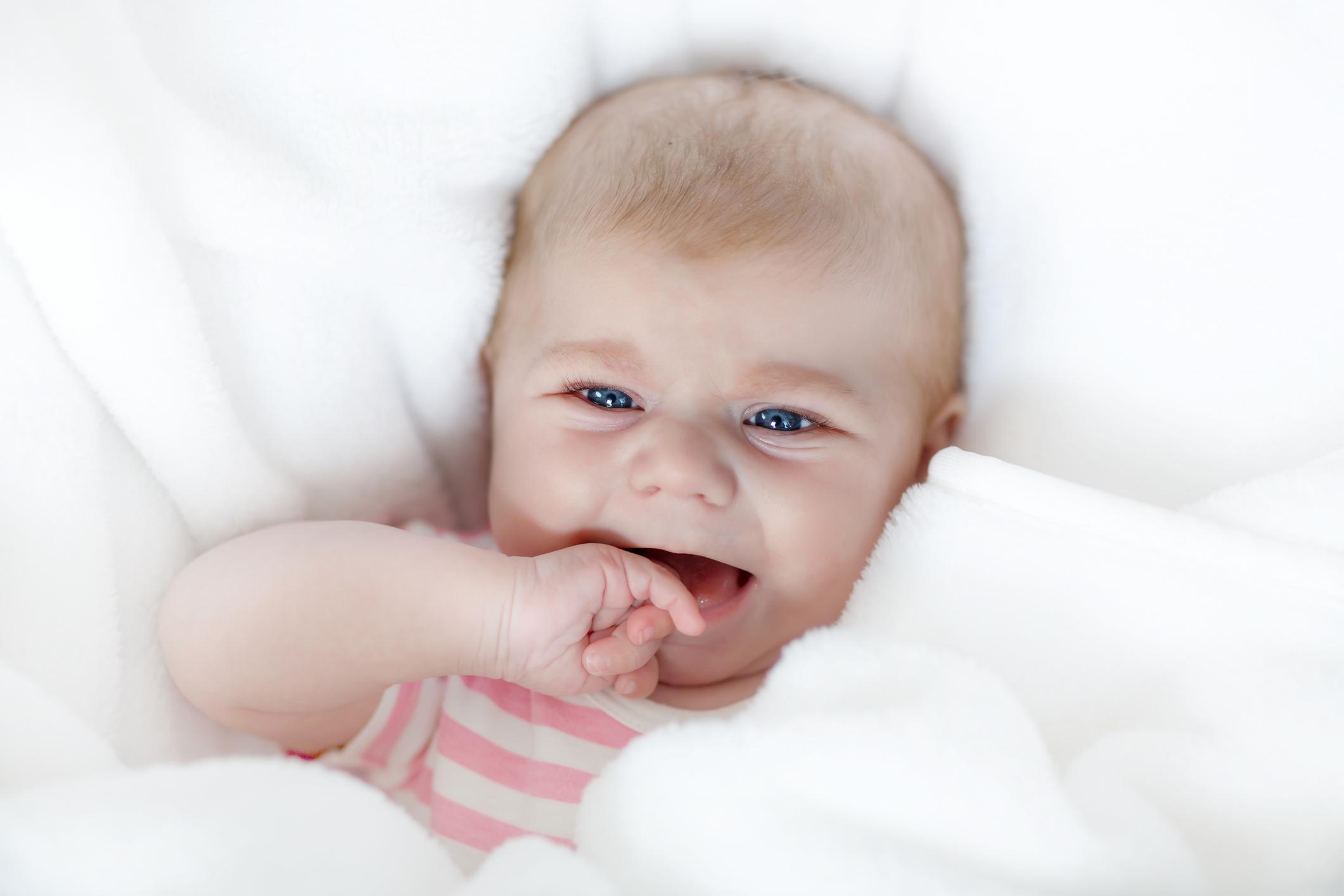 Dennie Morgan Falte bei Babys Was bedeutet sie
