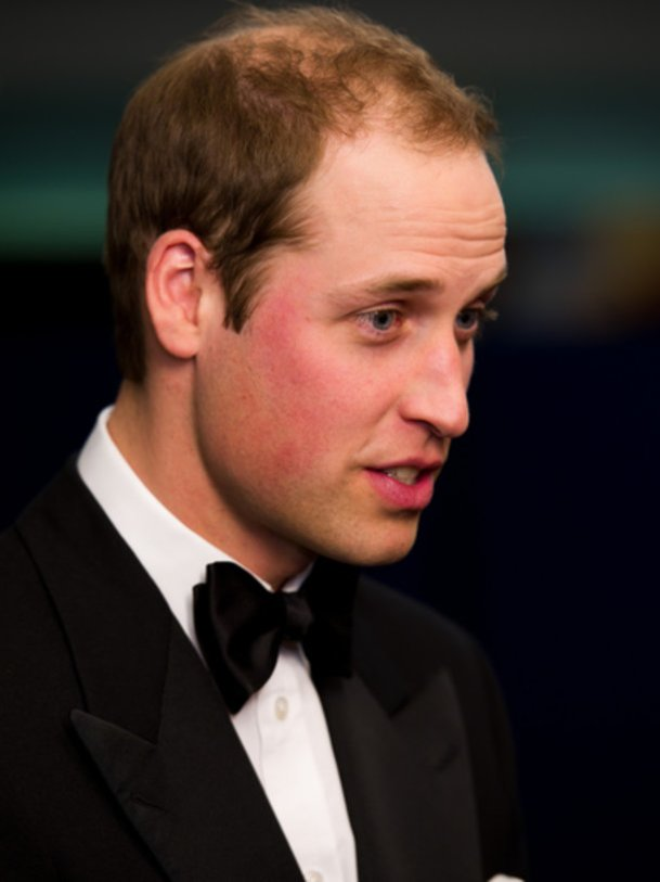 Prinz William bewundert die Queen.