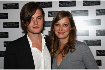 Sam Riley und Alexandra Maria Lara bei einer Premiere