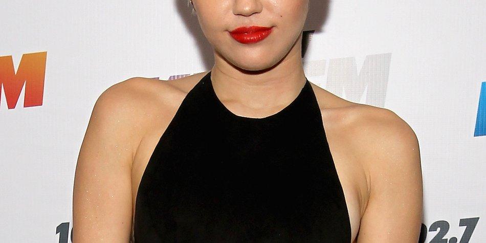 Miley Cyrus muss länger im Krankenhaus bleiben