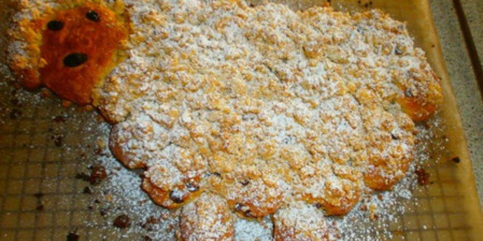 Osterlämmchen aus Quark-Ölteig