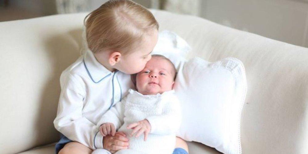 Prinz George ist stolz auf Charlotte