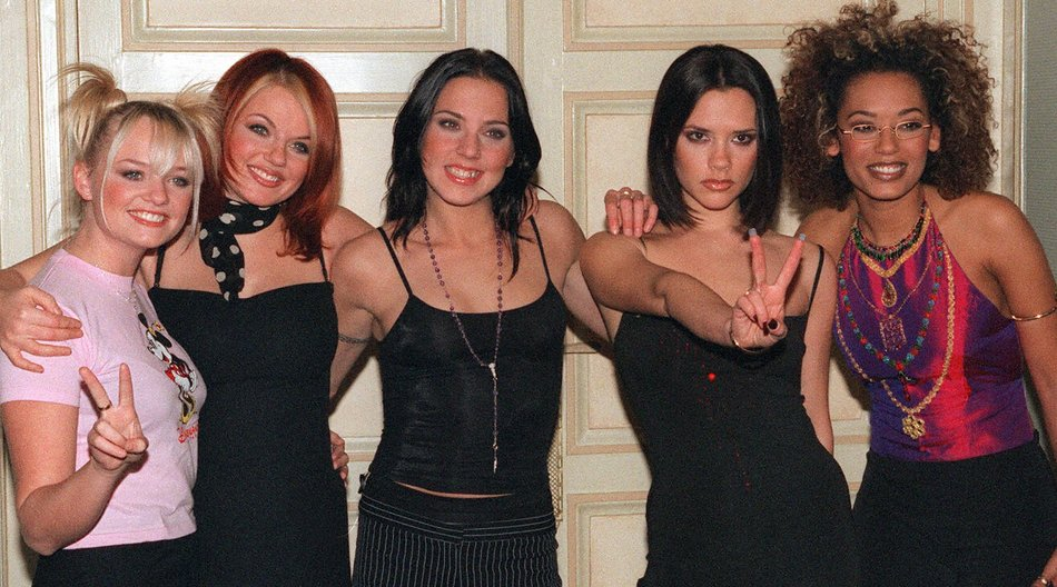 "Paris, FRANCE: (FILES) File photo dated 16 December 1997 shows the Spice Girls posing at a hotel in Paris. Pop group the Spice Girls announced 28 June 2007 they are to reform for a world tour, saying ""girl power is back and stronger than ever,"" in a statement posted on their website. AFP PHOTO THOMAS COEX (Photo credit should read THOMAS COEX/AFP/Getty Images)"