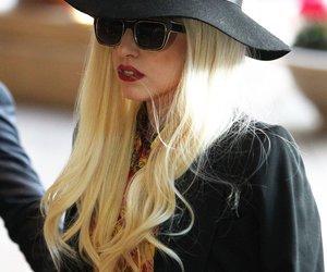 Lady Gaga steht auf pinkes Schamhaar!