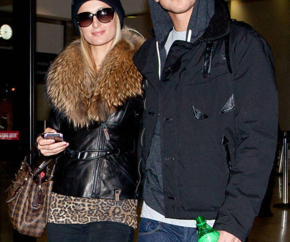 Paris Hilton macht ihrem Toyboy einen Heiratsantrag