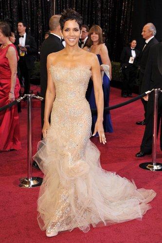 Halle Berry: Kleider 2011
