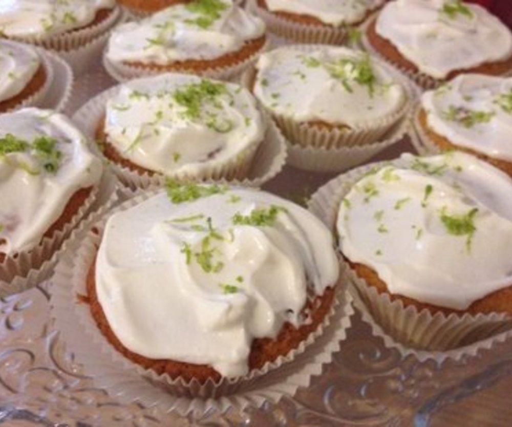 Limonige Vanillecupcakes mit Kick und Schuss