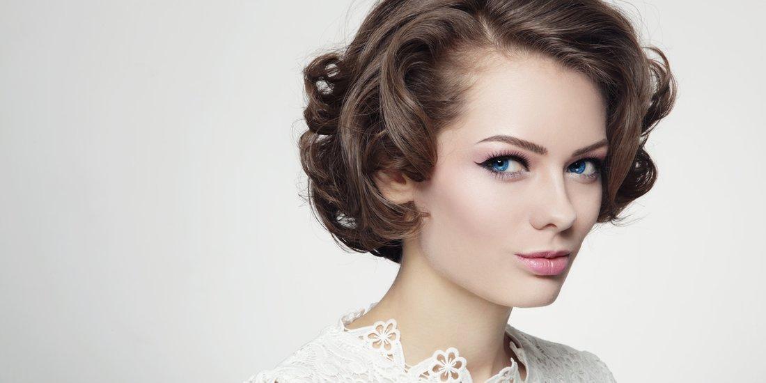 Frech Und Kurz Die Schönsten Frisuren Für Frauen Ab 50 Desiredde