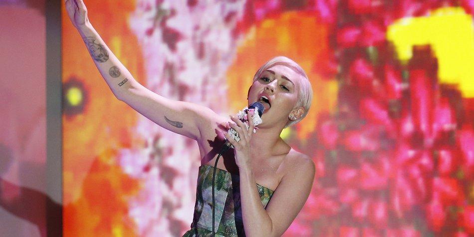 Miley Cyrus soll einen Song von David Guetta singen