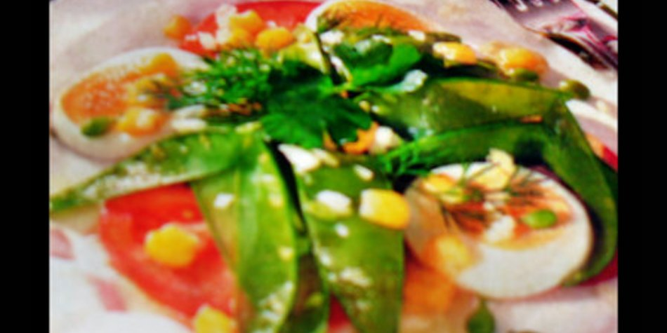 Zarter Frühlingssalat mit Ei