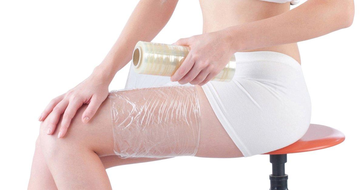 Beine mit frischhaltefolie einwickeln