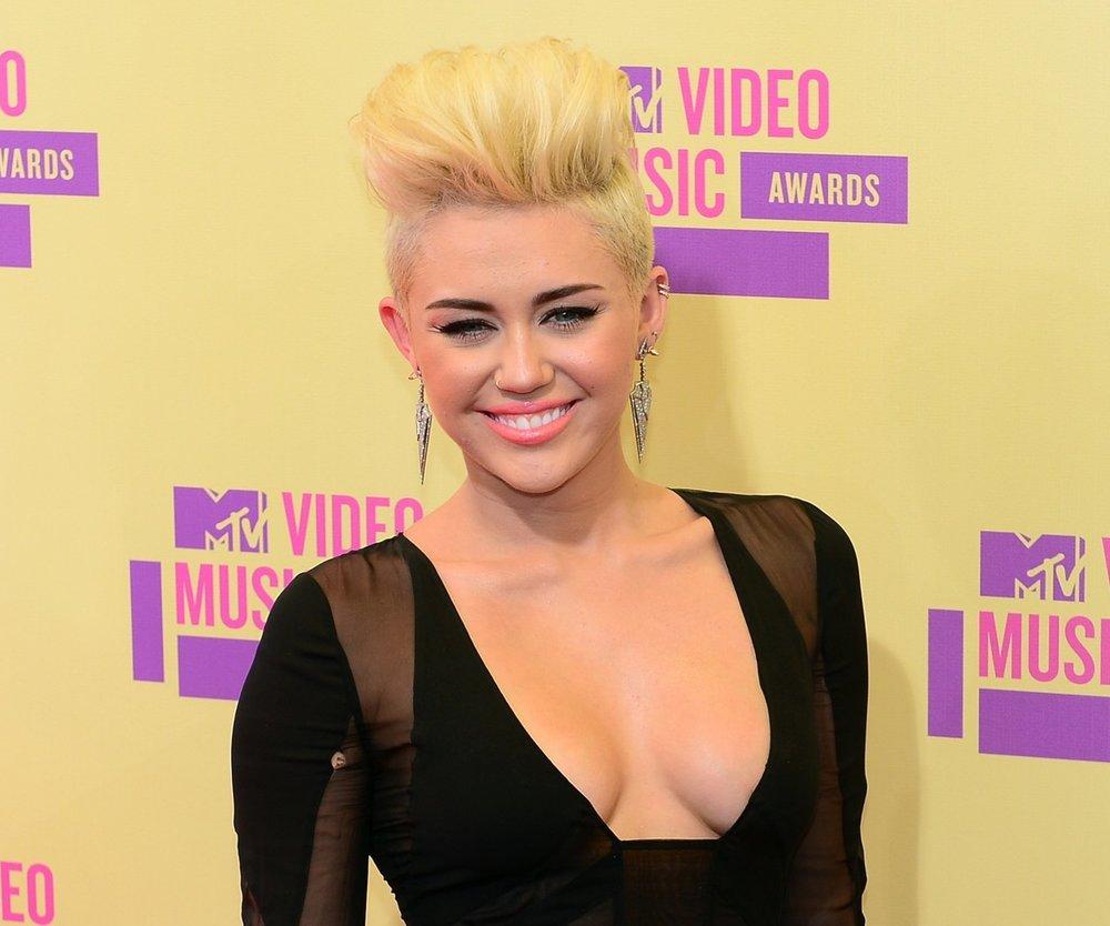 Miley Cyrus bekommt Unterstützung von Pornostar
