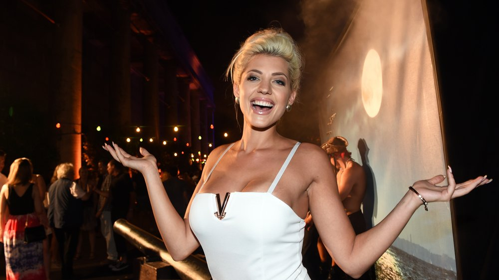 Promi Big Brother: Sarah Nowak zieht ins Haus!