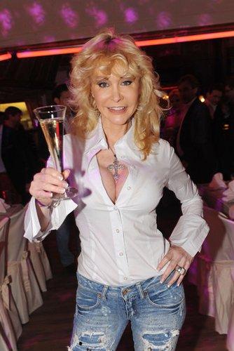Film-Darstellerin Dolly Buster ist im Erotikbereich bekannt geworden