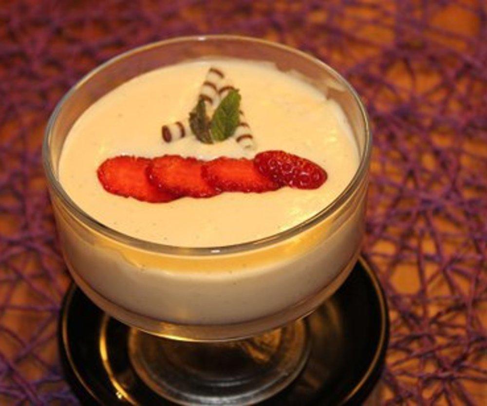 Weißes Mousse au Chocolat