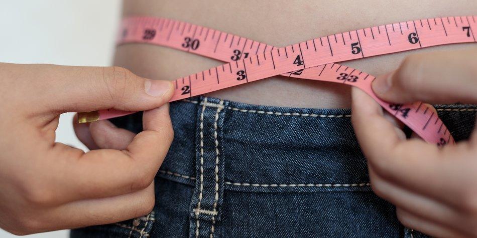 Measuring waist close up