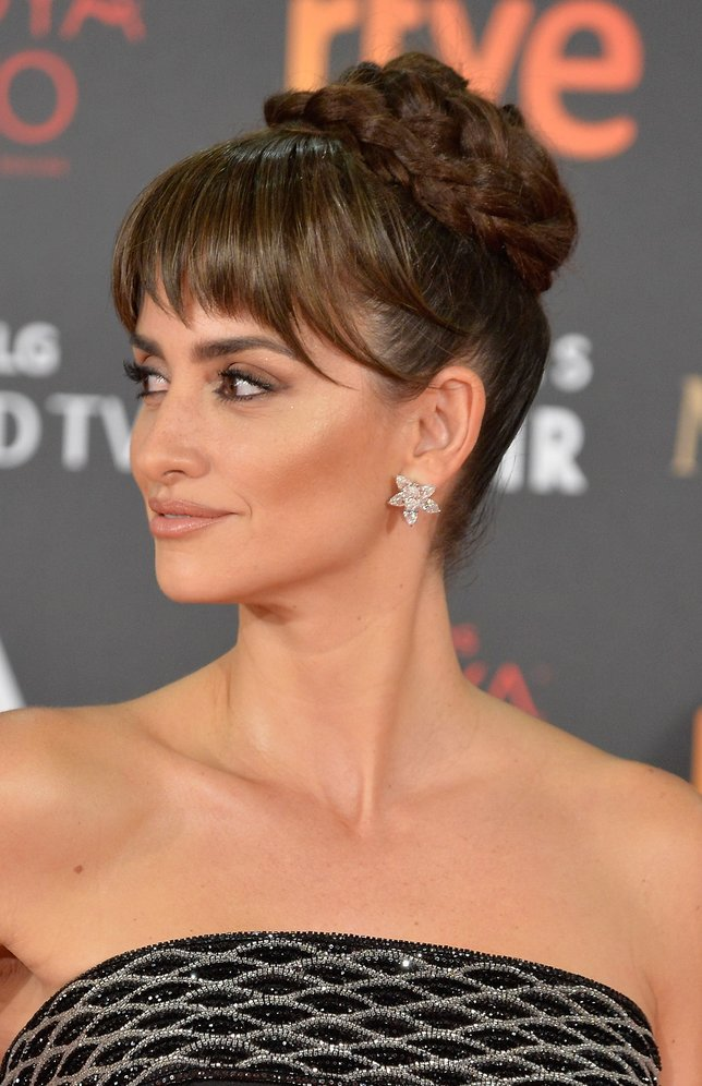MADRID, SPAIN - FEBRUARY 06: Penelope Cruz attends Goya Cinema Awards 2016 at Madrid Marriott Auditorium on February 6, 2016 in Madrid, Spain.  (Photo by Carlos Alvarez/Getty Images)
