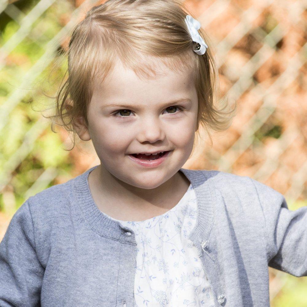 Estelle von Schweden: Darum trägt sie immer eine süße Schleife