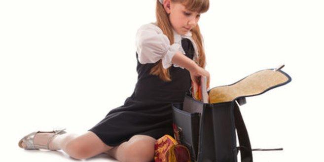 Kinder sind vergesslicher als Erwachsene. Feste Abläufe können ihnen helfen, ihre sieben Sachen zusammen zu halten.