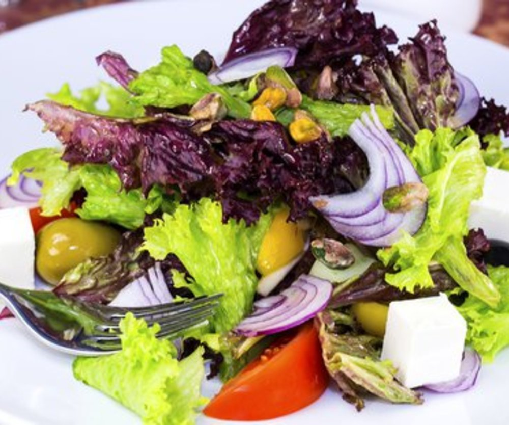 Griechischer Salat mit Schafskäse