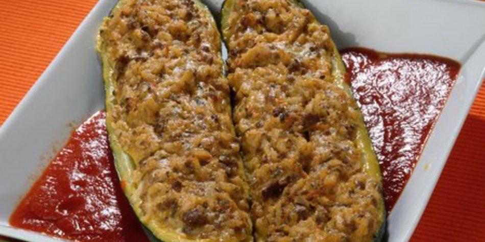 Gefüllte Zucchini Hackfleisch