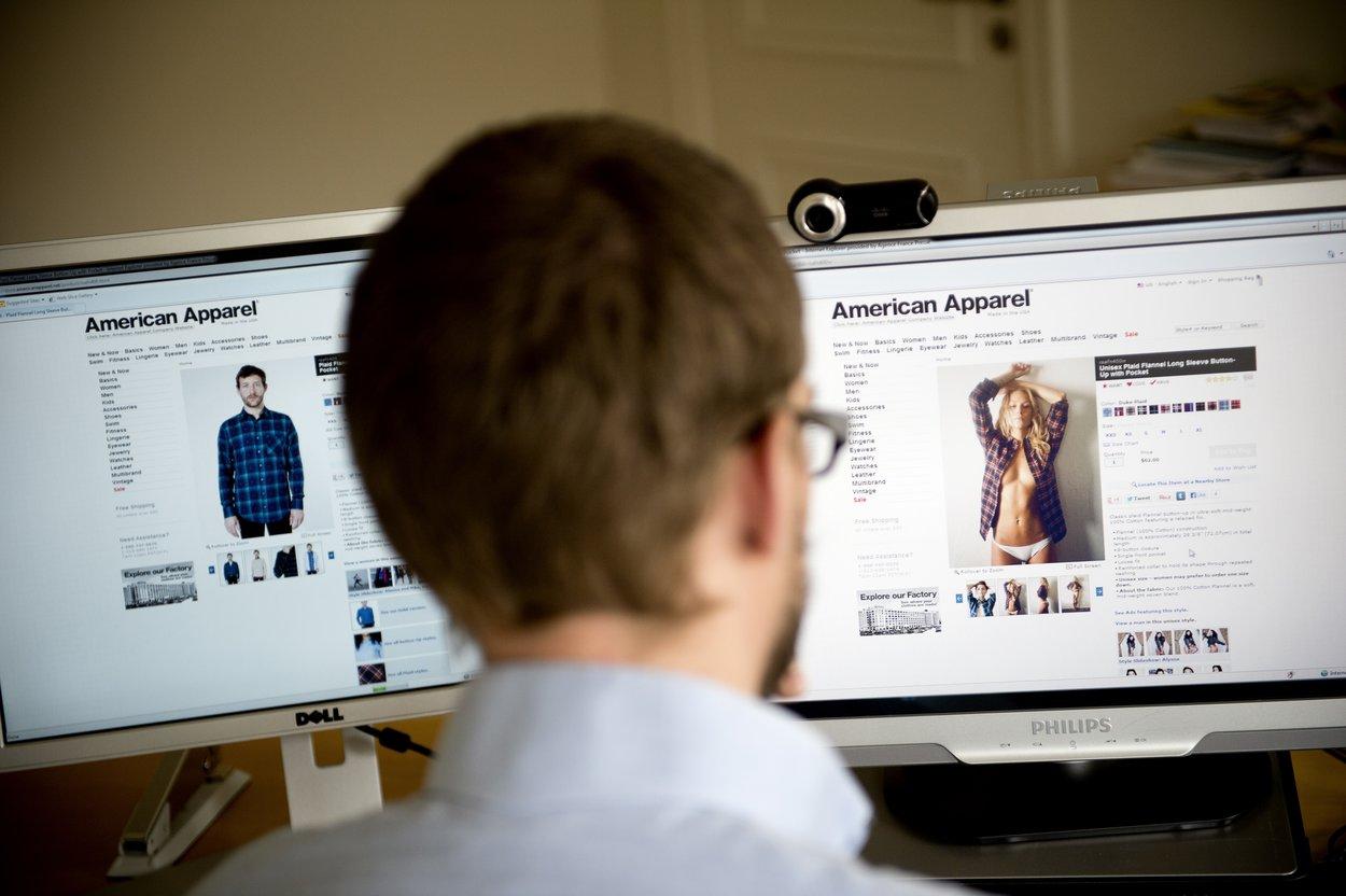 Vergleicht man die Darstellung von Frauen und Männern in der Werbung, merkt man deutliche Unterschiede.