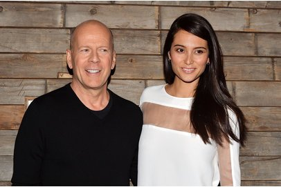 Bruce Willis und Emma Heming Willis auf einem Event.