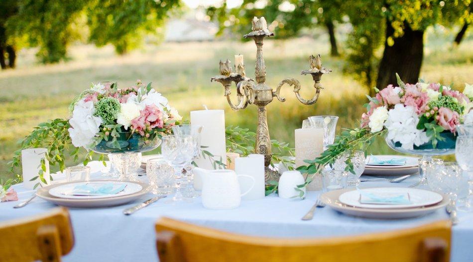 Tischdeko hochzeit  Tischdeko für Hochzeit selber machen: 27 Ideen! | erdbeerlounge.de