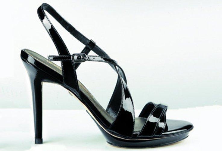 Buffalo High Heels getarnt als Sandalette.