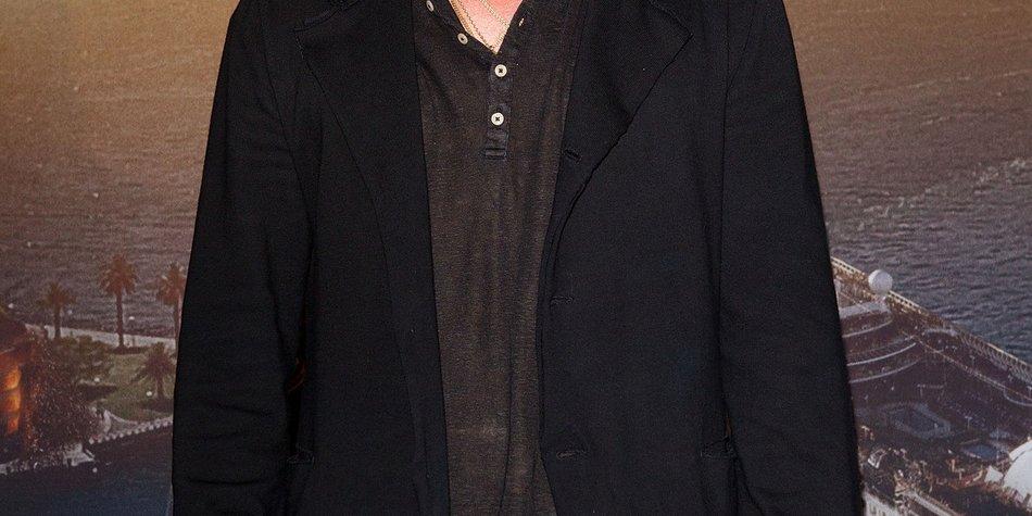 Brad Pitt zeigt sich auffallend straff