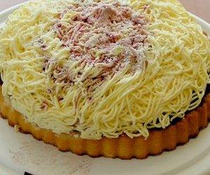 Süßer Spaghettikuchen