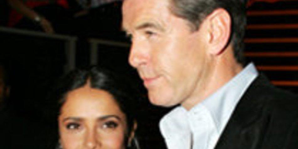 """Salma Hayek und Pierce Brosnan in """"After the Sunset"""""""