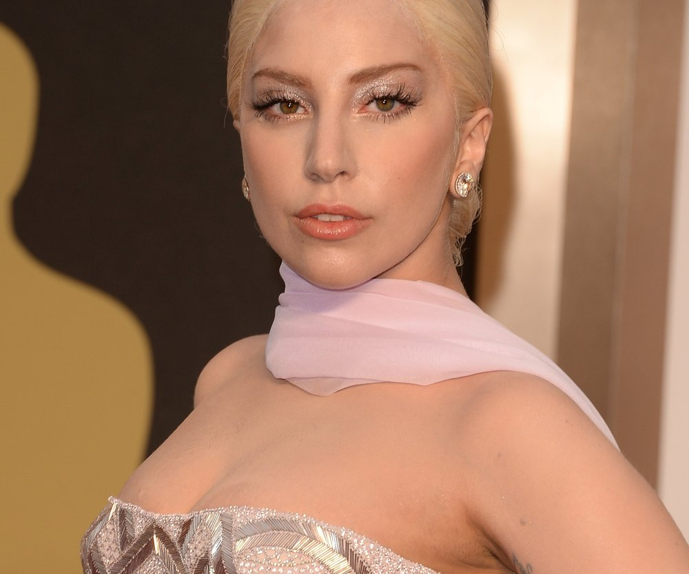 Lady Gaga shoppt ihr Brautkleid