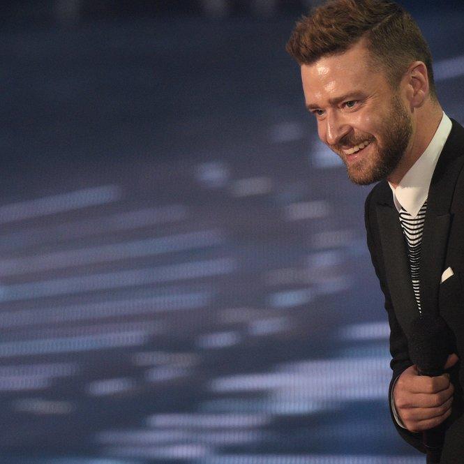 Timberlake singt