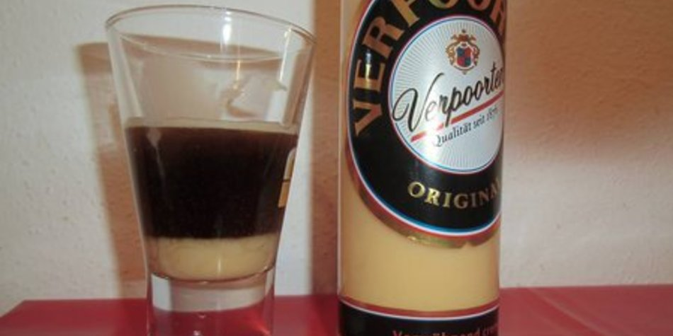 Amaretto Egg Shot