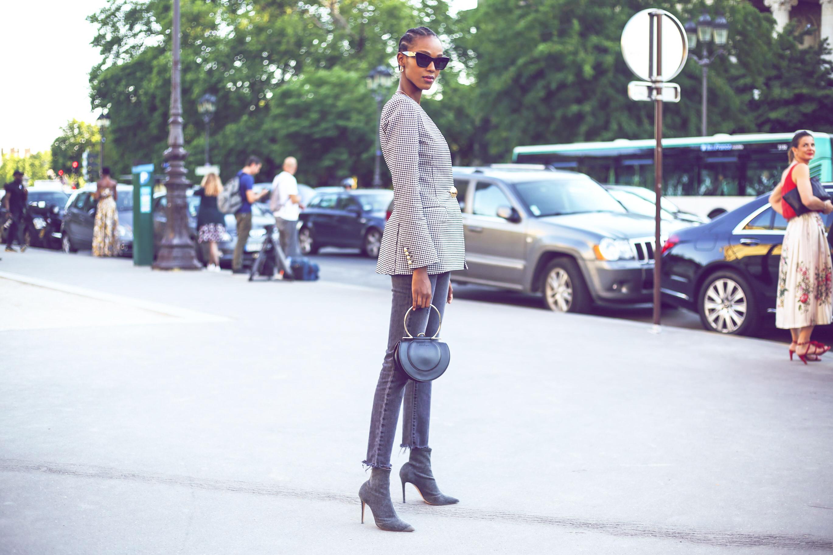 Graue Jeans sind der schönste Denim-Trend 2020 | desired.de