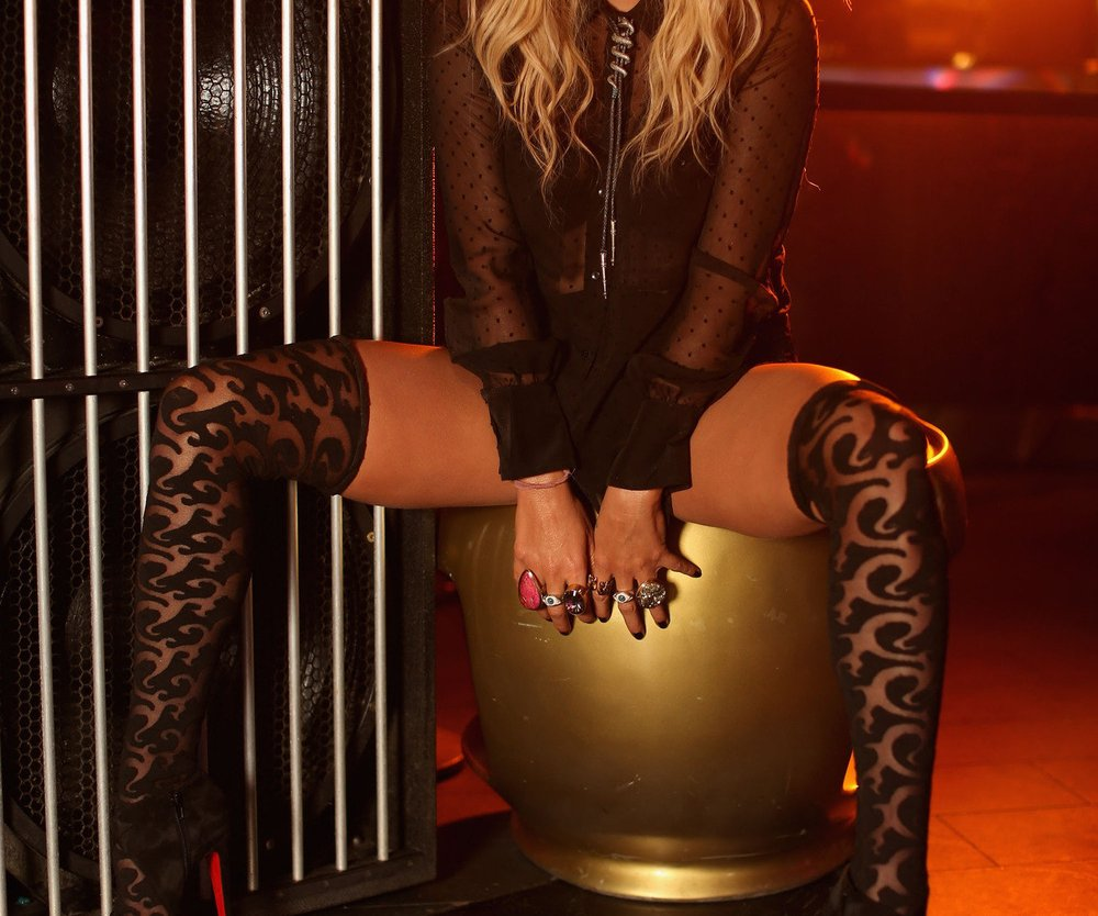 Kesha verwandelt alle Männer in Frauen