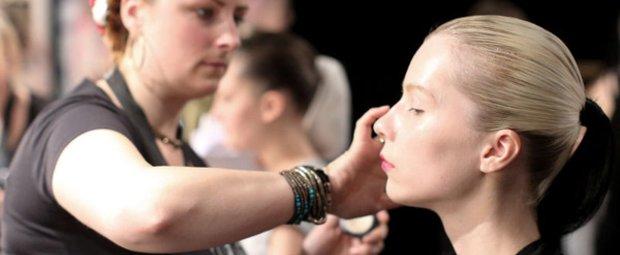 Model mit Make-up