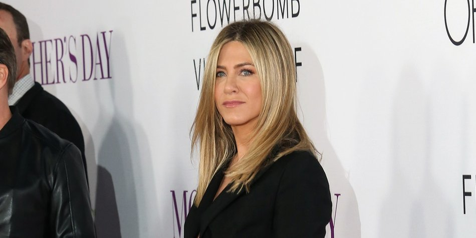 "HOLLYWOOD, CA - APRIL 13: Actress Jennifer Aniston attends Open Roads World Premiere of ""Mother's Day"" at TCL Chinese Theatre IMAX on April 13, 2016 in Hollywood, California. (Photo by Frederick M. Brown/Getty Images)"