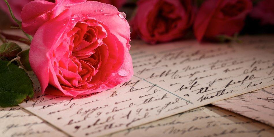 Liebesbriefe mit Rose