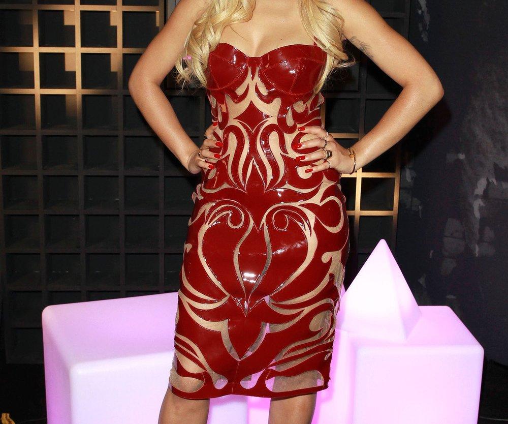 Rita Ora: Selbstvertrauen durch roten Lippenstift