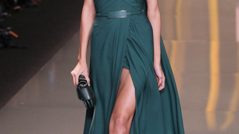 Elie Saab mit glamouröser Eleganz