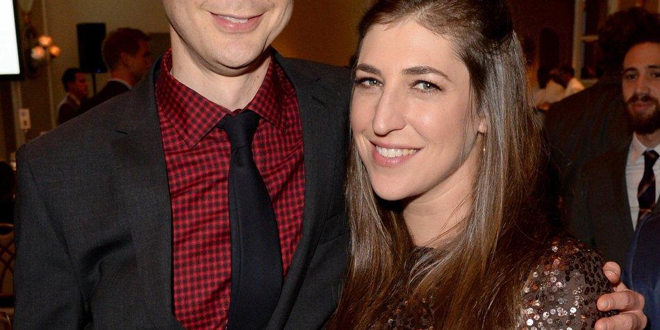 Big Bang Theory: Jim Parsons und Mayim Bialik auf Kuschelkurs