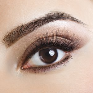Augenbrauen verdichten
