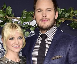 """HOLLYWOOD, CA - JUNE 09: Actors Anna Faris (L) and Chris Pratt attend the Universal Pictures' """"Jurassic World"""" premiere at Dolby Theatre on June 9, 2015 in Hollywood, California. (Photo by Frazer Harrison/Getty Images)"""