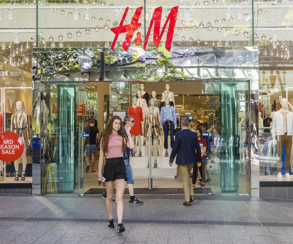 H&M zeigt feministische Werbung.