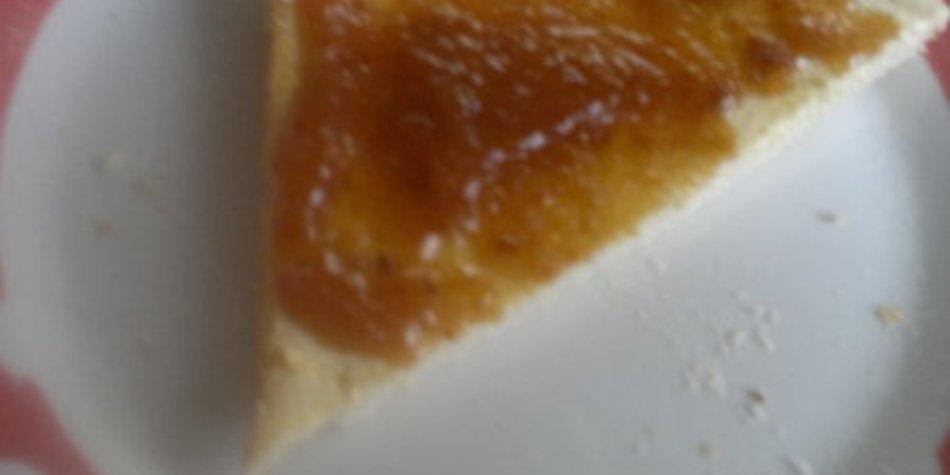 Pfirsichmarmelade mit Marzipan (und Krokant)